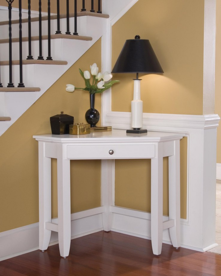 White Coner Table