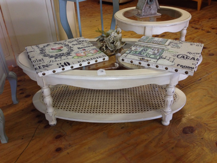 Oval Shabby Chic Coffee Table