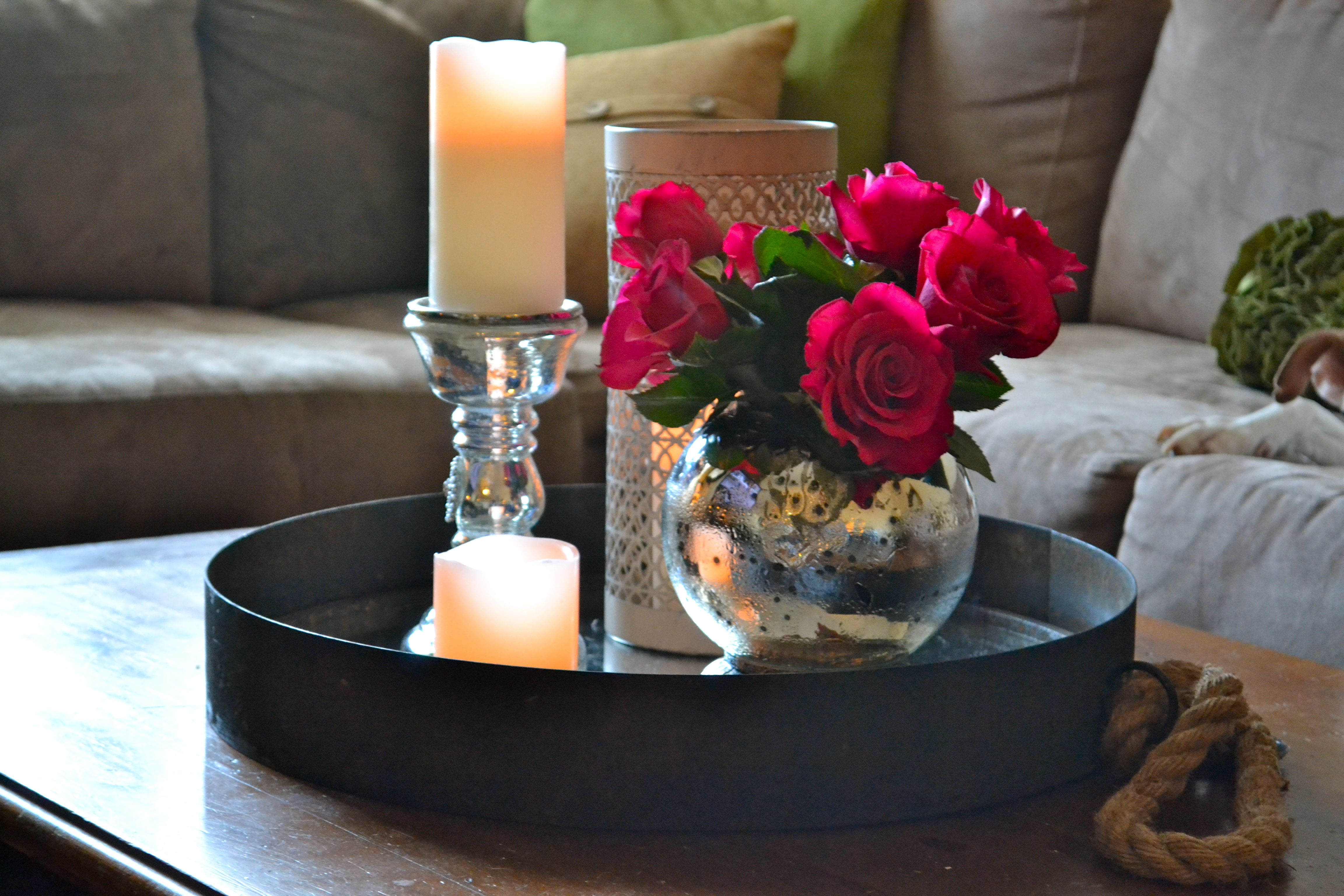 choosing special centerpiece for coffee tables Wooden Coffee Table Decor