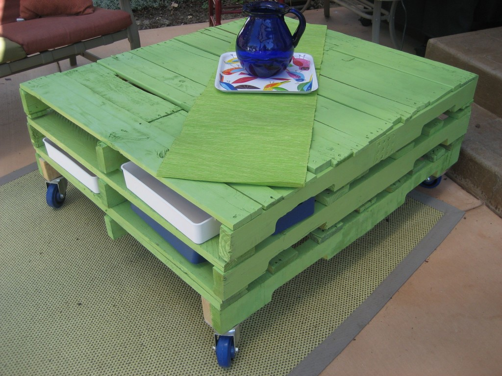 Painted Pallet Coffee Table
