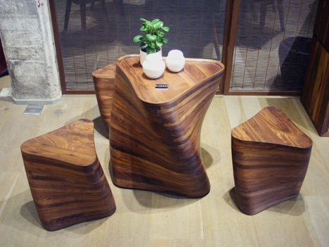 Amazing Coffee Table with Stools