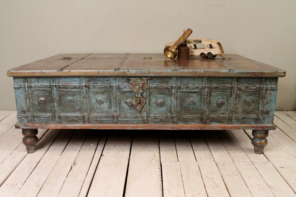 Ordinaire Antique Distressed Coffee Table Image And Description