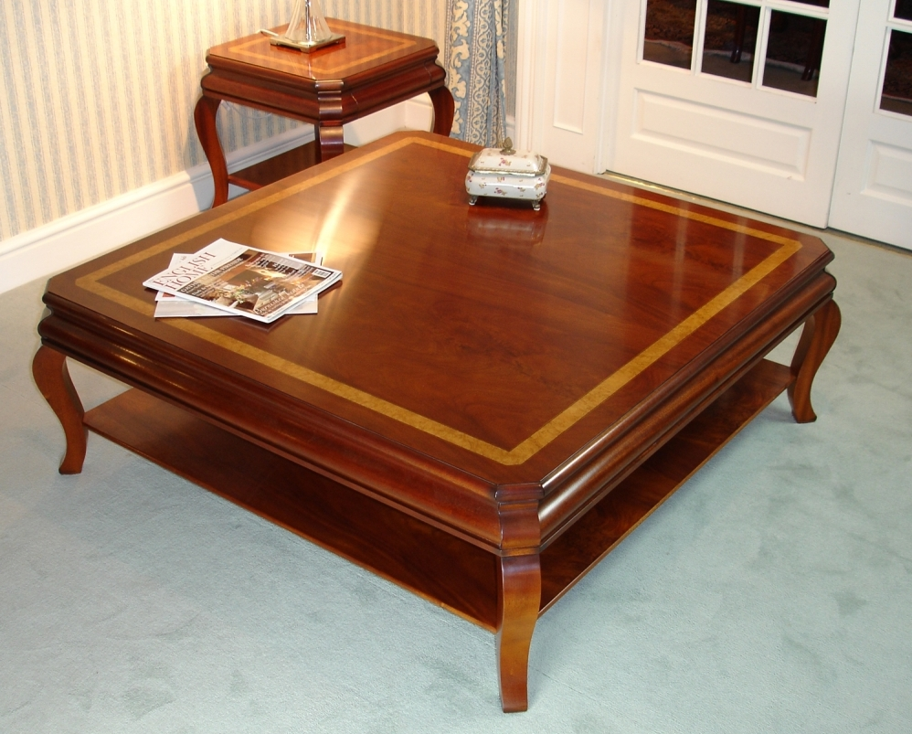 Large Mahogany Coffee Table Image And Description